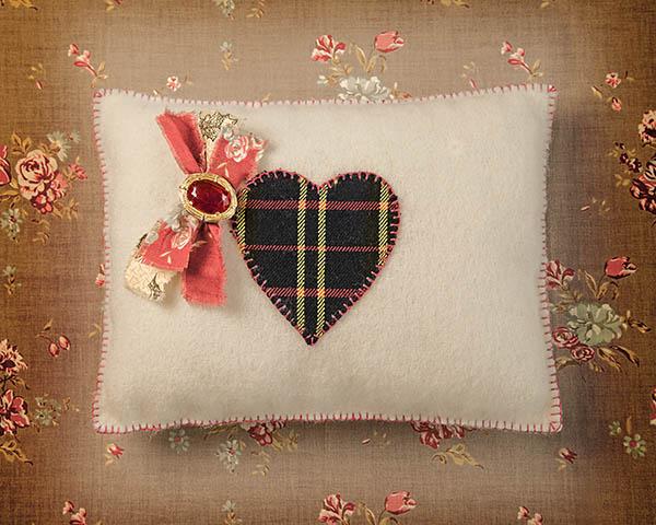 Heart cushion 2