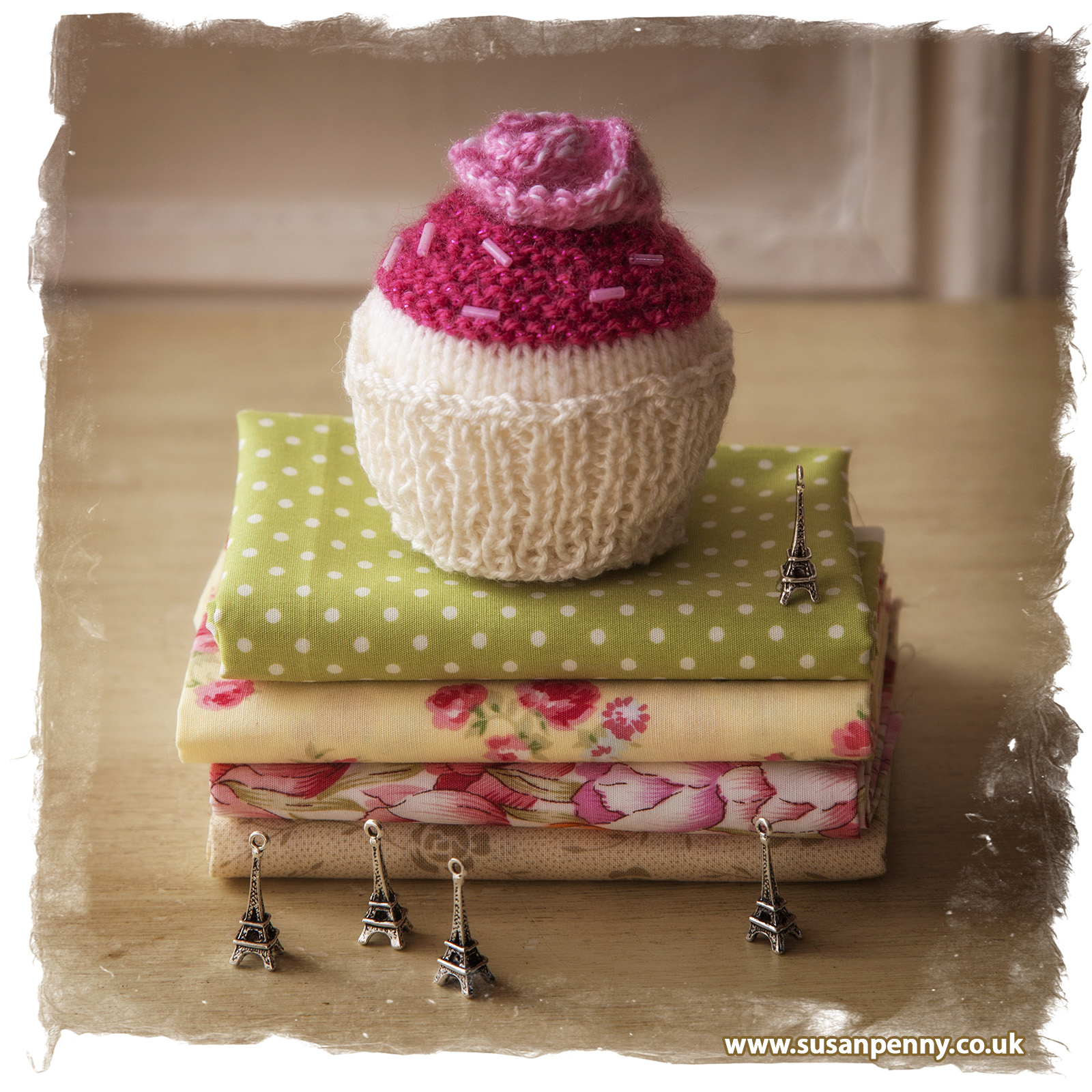 Knitted cupcakes for ETSY
