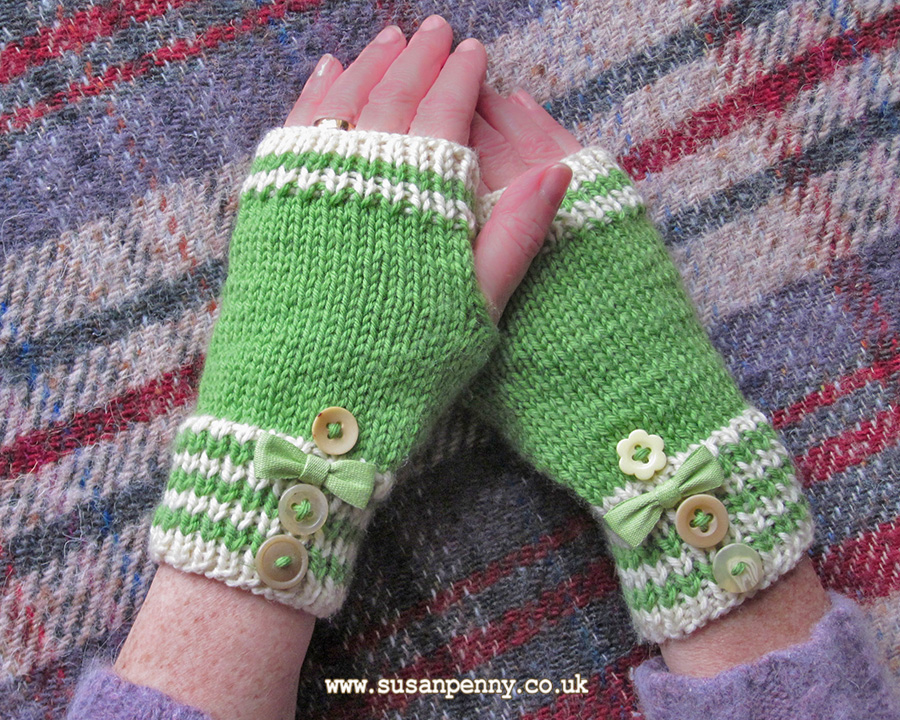 Knitting Patterns Striped Gloves : Striped Fingerless Mittens Knitting Pattern DLD002   Susan Penny